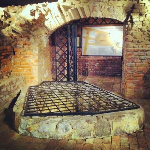 rzeszow-atrakcje-zwiedzanie-podziemnej-trasy-turystycznej-rzeszowskie-piwnice